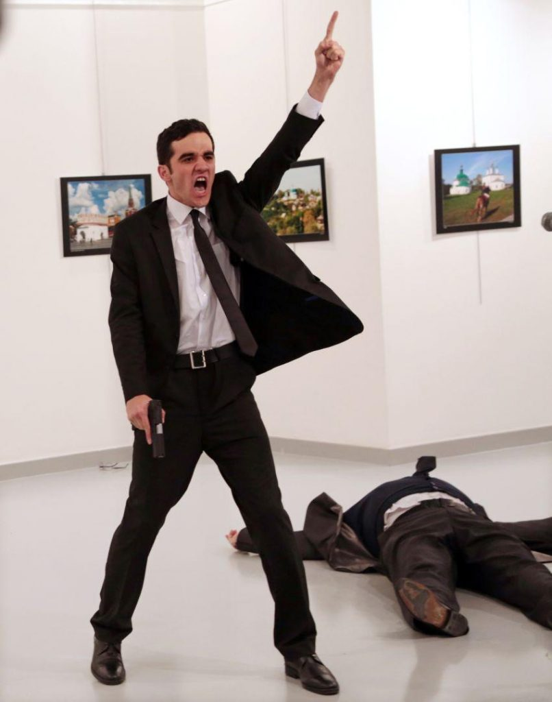 World Press Photo, Winner, Win, Finalist, Fotoaprendiz, Foto, Ganadora, Embajador, Ruso, Turquía, Asesino, Asesinato, Kill,