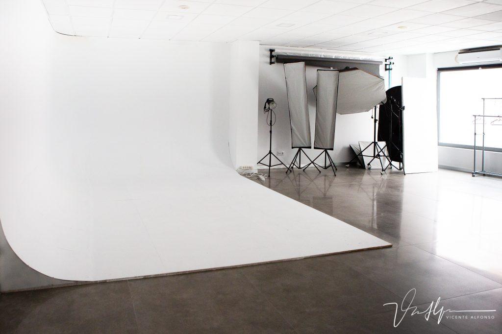 Estudio, Vicente Alfonso, fotógrafo, Local, Despacho, Navalmoral de la Mata, Calle Genaro Cajal 18, Ciclorama, Fotografía, Reportajes, Fotógrafo profesional, Vicente Alfonso, Fotografía, Bodas, Comuniones, España, Cáceres