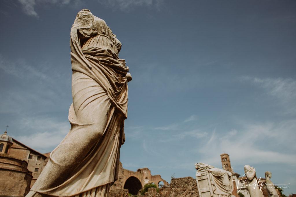 Estatuas en el Foro Romano.