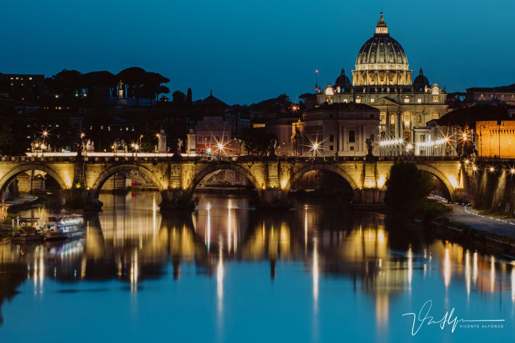 Vaticano desde el agua. Paseo fotográfico por la ciudad de Roma